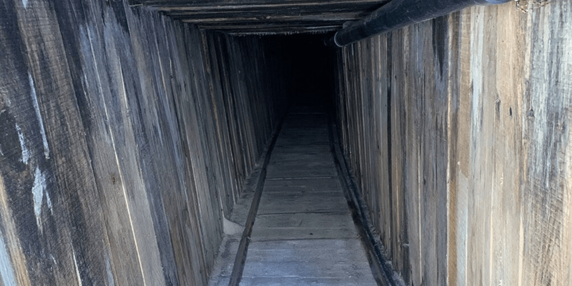 border tunnel
