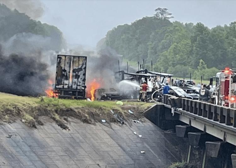 Alabama interstate crash leaves 10 dead – Law Officer